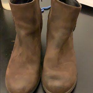 Vera Pelle booties